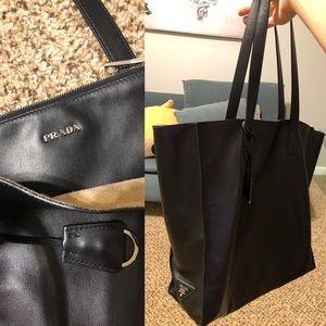 Prada leather purse. Black